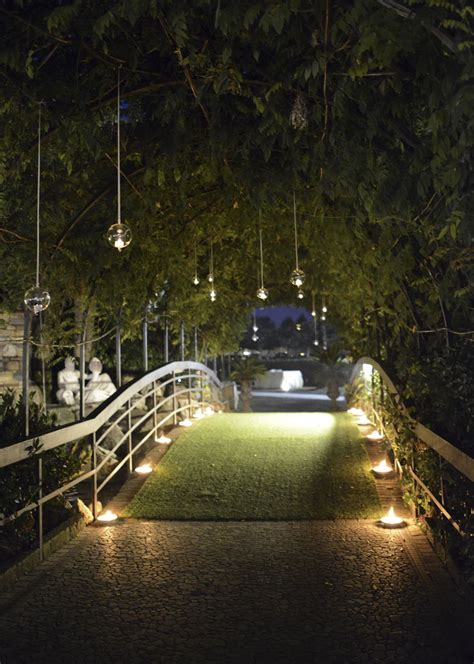 candele da giardino e candele per un matrimonio all aperto da favola