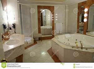 modern and spacious bathroom stock photo image of With salle de bain de luxe moderne