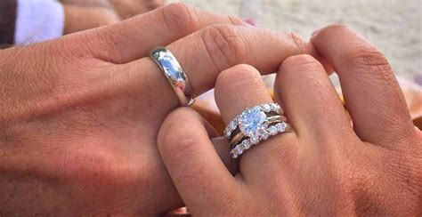 wear wedding rings rules   ring finger