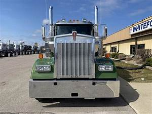 2020 Kenworth W900 Sleeper Semi Truck