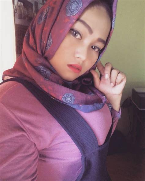 Tante Jilbab Cantik Toket Gede Wanita Cantik Manis