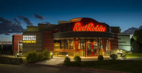 red robin restaurant closes   diners test positive
