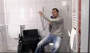 Was Bedeutet Wc : video versenkbare haltegriffe wc barrierefrei bad rollstuhl design behindert barrierefrei e v ~ Frokenaadalensverden.com Haus und Dekorationen