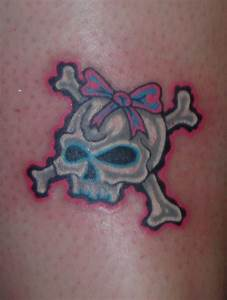Girly Skull and Crossbones by LucidPetroglyphs666 on ...