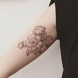 Blumen Und Ihre Bedeutung : 1001 blumen tattoo ideen und informationen ber ihre bedeutung tattoos pinterest ~ Frokenaadalensverden.com Haus und Dekorationen