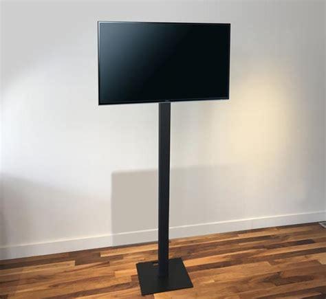 support tv sur pied support t 233 l 233 pour afficher vos vid 233 os lors des expositions