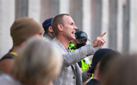 Gobzems aizvien aicina sekotājus ierasties uz protestu, kas formāli ticis atsaukts - Jauns.lv