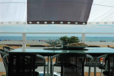restaurant les chalets gruissan restaurant gruissan plage chalets 28 images languedoc villa on gruissan plage 3 bedrooms