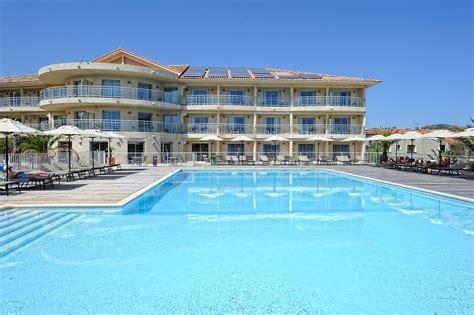 chambres communicantes hôtel costa salina votre 3 étoiles idéalement situé à