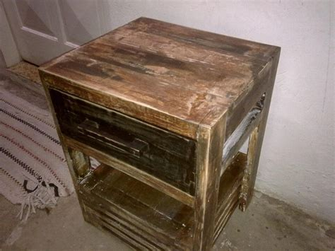 Rustic Pallet Nightstand With A Drawer Diy Rustic Round Coffee Table Wedding Thumbprint Tree Template Uv Sterilizer Led Chalk Painting Bathroom Cabinets Valentine Card Box E46 Catch Can Mattress Topper Cheap Closet Doors