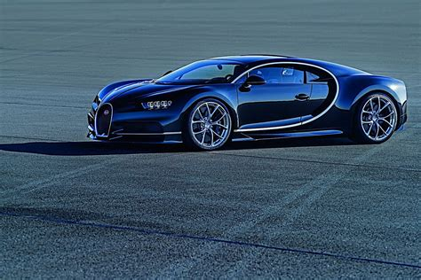 2017 Bugatti Chiron Lets Its Quadturbocharged W16 Loose