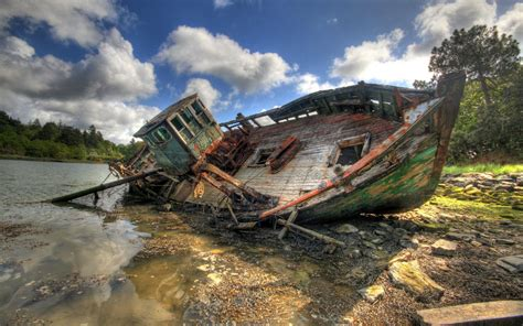 Boat Wreck Pictures by Katy J Negus Ba Hons Cg Arts Animation Shipwreck Research