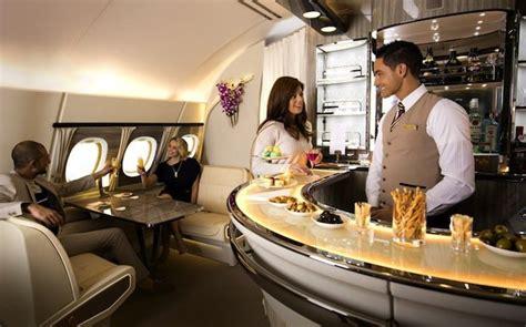 siege a380 emirates emirates modernise les cabines de ses airbus a380 et