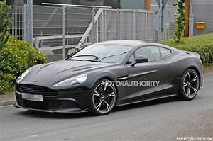 Aston Martin Vanquish 2018 : 2018 aston martin vanquish s spy shots ~ Maxctalentgroup.com Avis de Voitures