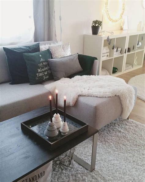 Fell Für Sofa by Kerzenschein Und Ein Gem 252 Tliches Fell Geben Diesem
