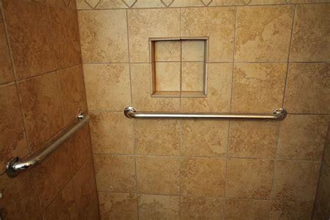 humidite mur salle de bain salle de bain quel rev 234 tement choisir pour les murs