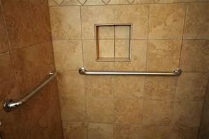 Salle de bain quel revetement choisir pour les murs for Revetement de mur pour salle de bain