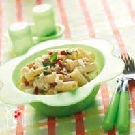 recette p 194 tes au basilic tomates s 201 ch 201 es et feta