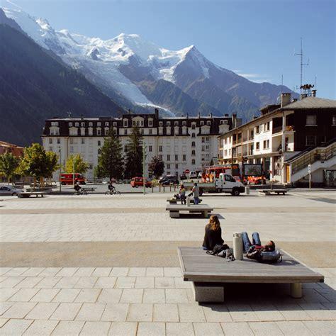 mairie du mont place du mont blanc et quais de l arve chamonix caue haute savoie