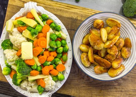Compare your lists with other students. Christmas Vegetables in 2020 | Christmas vegetables, James ...