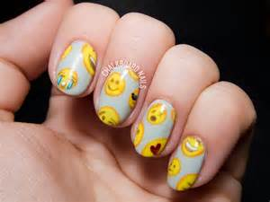 Emoji pattern nail art chalkboard nails