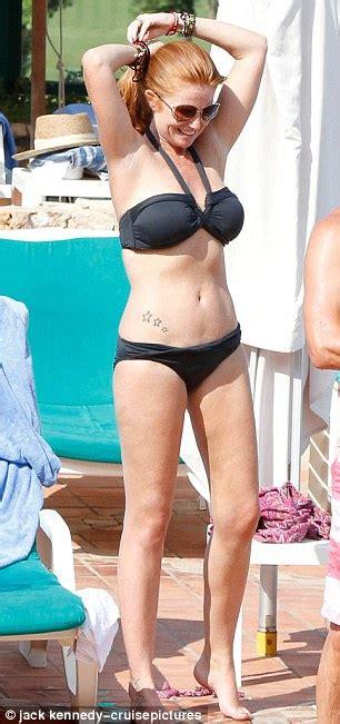 Patsy Palmer displays impressive bikini body on Spanish holiday | Daily Mail Online