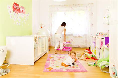 image chambre bebe déco chambre bébé toutes les astuces pour peindre une chambre de bébé