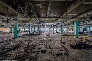 Brooklyn's Domino Sugar Refinery in amazing photos taken ...