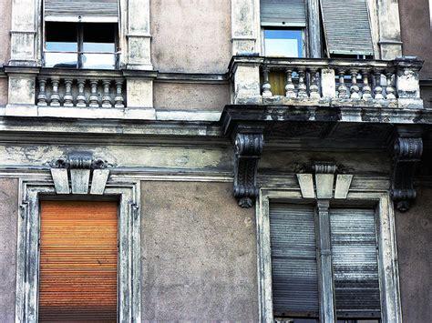 comment nettoyer une facade comment nettoyer la facade d une maison taches de fientes duoiseau sur enduit de pignon with