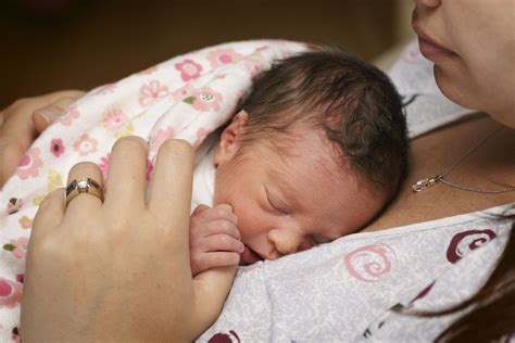 Breastfeeding With Large Nipples Information And Tips