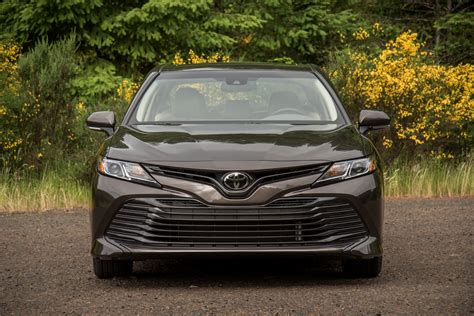 Review Toyota Camry by 2018 Toyota Camry Review Autoguide