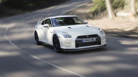 nissan gt  track edition engineered  nismo