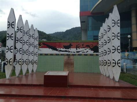 7 Patung Monumen Bersejarah Di Indonesia