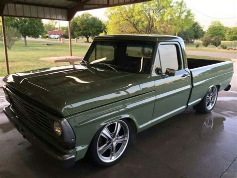 Gas Monkey Garage Truck Builds by Kc S Ford From Gas Monkey Garage Cool Cars Motorcycles