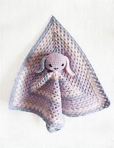 les 25 meilleures idees concernant couvertures en crochet With tapis chambre bébé avec robe a fleur hiver