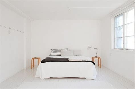 Minimalist Bedroom Inspiration For A Spring Cleaning