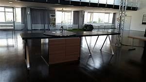 Kücheninsel Ohne Geräte : h cker musterk che inseltisch ausstellungsk che in b ren von berg k chen manufaktur ~ Orissabook.com Haus und Dekorationen