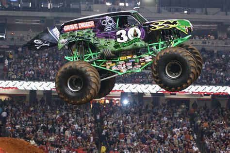 Monster Trucks Wallpapers