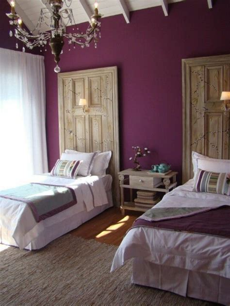 chambre aubergine 1001 idées comment combiner la couleur aubergine