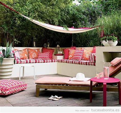 2 Pisos De Bancos En 8 Ideas Para Decorar Terrazas Jardines O Patios Tu Casa