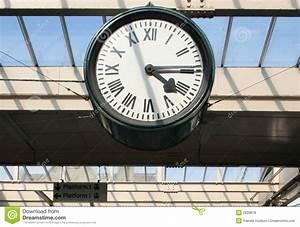 Horloge De Gare : horloge de gare photo stock image du antiquit cadran 2839878 ~ Teatrodelosmanantiales.com Idées de Décoration
