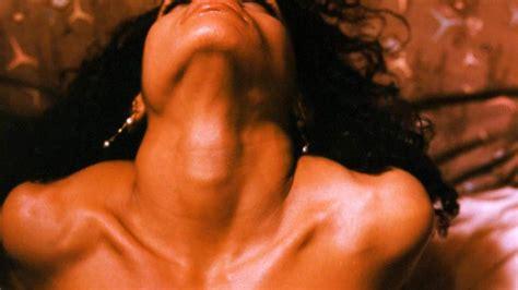Lisa Bonet Nude Bank Robber 4 Pics  And Video
