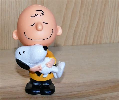 charlie brown snoopy toys  photo  pixabay