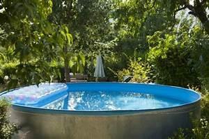 Piscine Semi Enterrée Coque : choisir une piscine coque semi enterr e ~ Melissatoandfro.com Idées de Décoration
