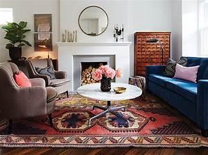 3 facons originales de decorer avec un tapis exotique With tapis oriental avec canape hoffmann