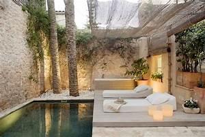 Kleiner Pool Für Terrasse : kleiner garten mit berdachung und holzterrasse pool garten haus und innenhof ~ Orissabook.com Haus und Dekorationen