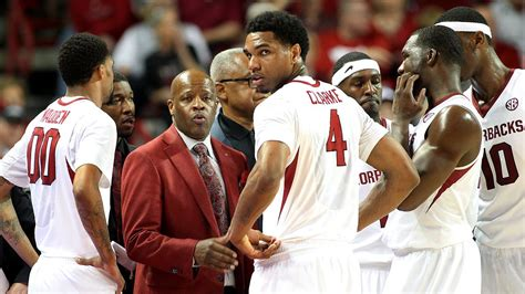 mike anderson signs extension  arkansas