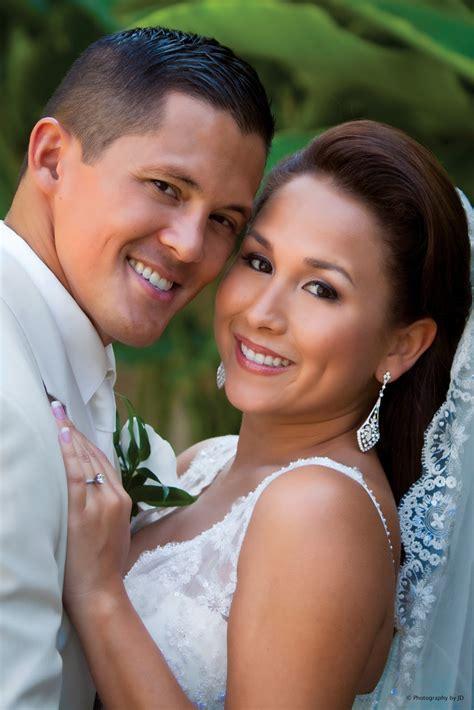 wedding photographer posing  bride groom  couple