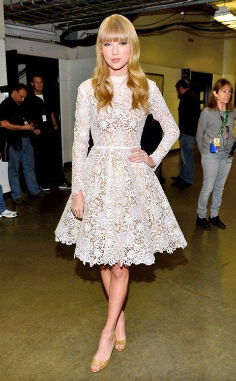 Taylor Swift in Maria Lucia Hohan, so lovely. in 2020 ...