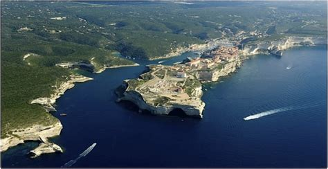 Visit Bonifacio the lovely medieval town and the oldest ...
